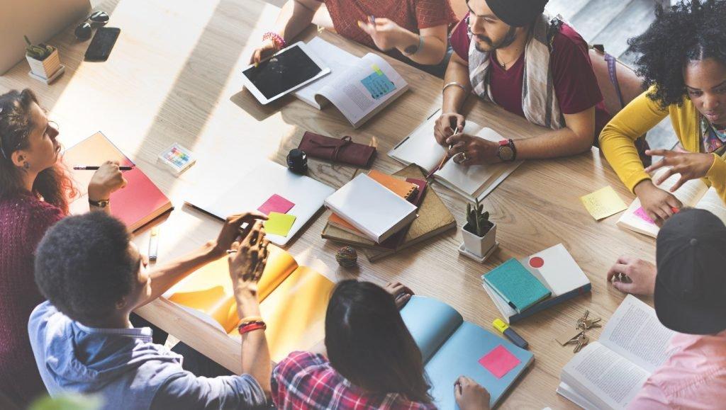 استراتيجية الحوار والمناقشة - التعلم النشط