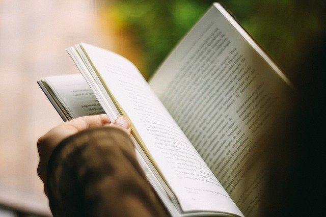 القراءة من صفات المعلم الناجح - سكوليرا